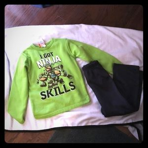 Turtles outfit new condition